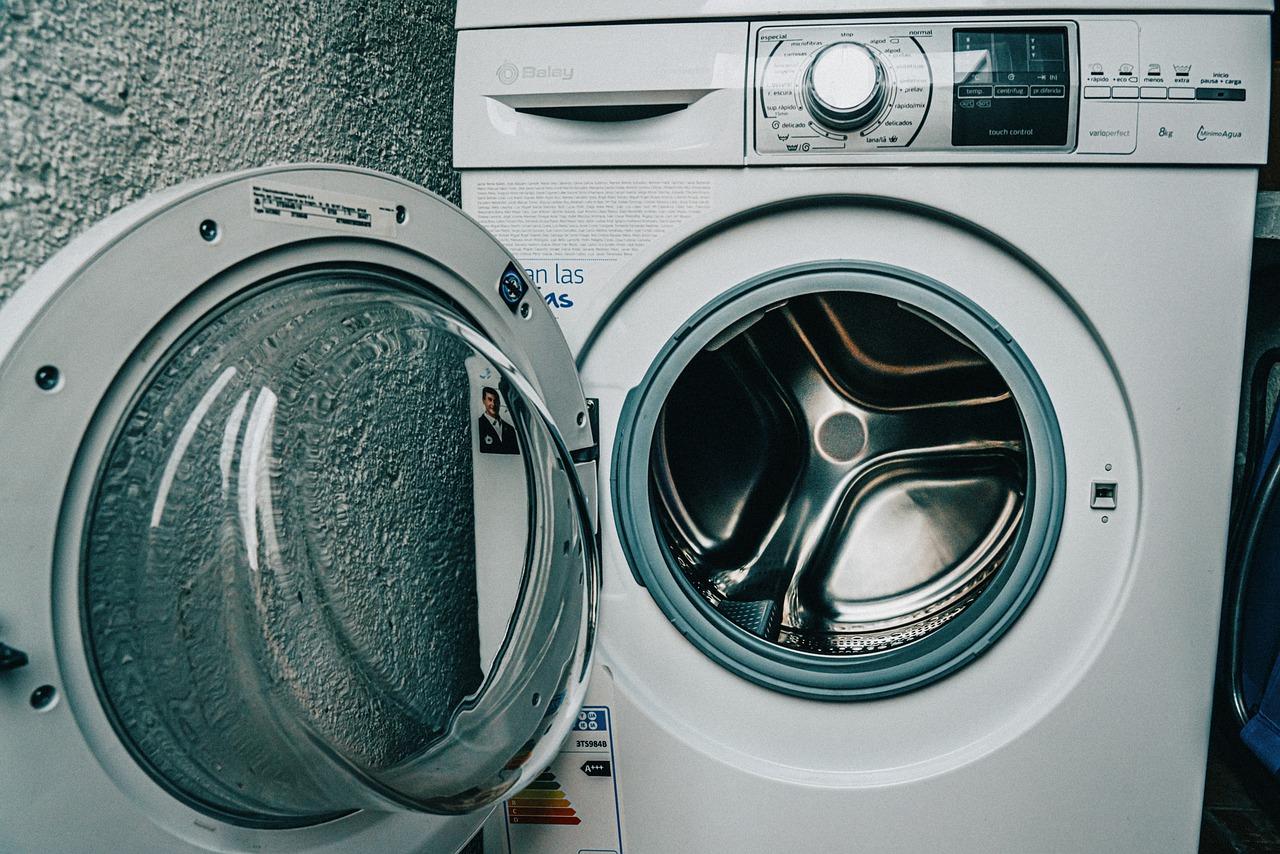 Co zrobić, gdy pralka nie pobiera wody? Dlaczego pralka Electrolux nie pobiera wody? Twoja pralka whirlpool nie pobiera wody? Dowiedz się jakie są przyczyny awarii